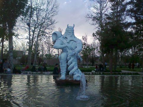 statue_of_rostam