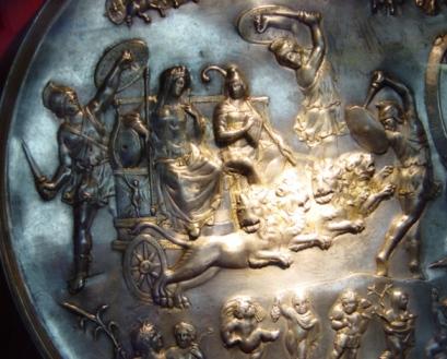 Patera_di_Parabiago_-_MI_-_Museo_archeologico_-_Cibele_e_Adone_-_Foto_Giovanni_Dall'Orto_2_-_25-7-2003