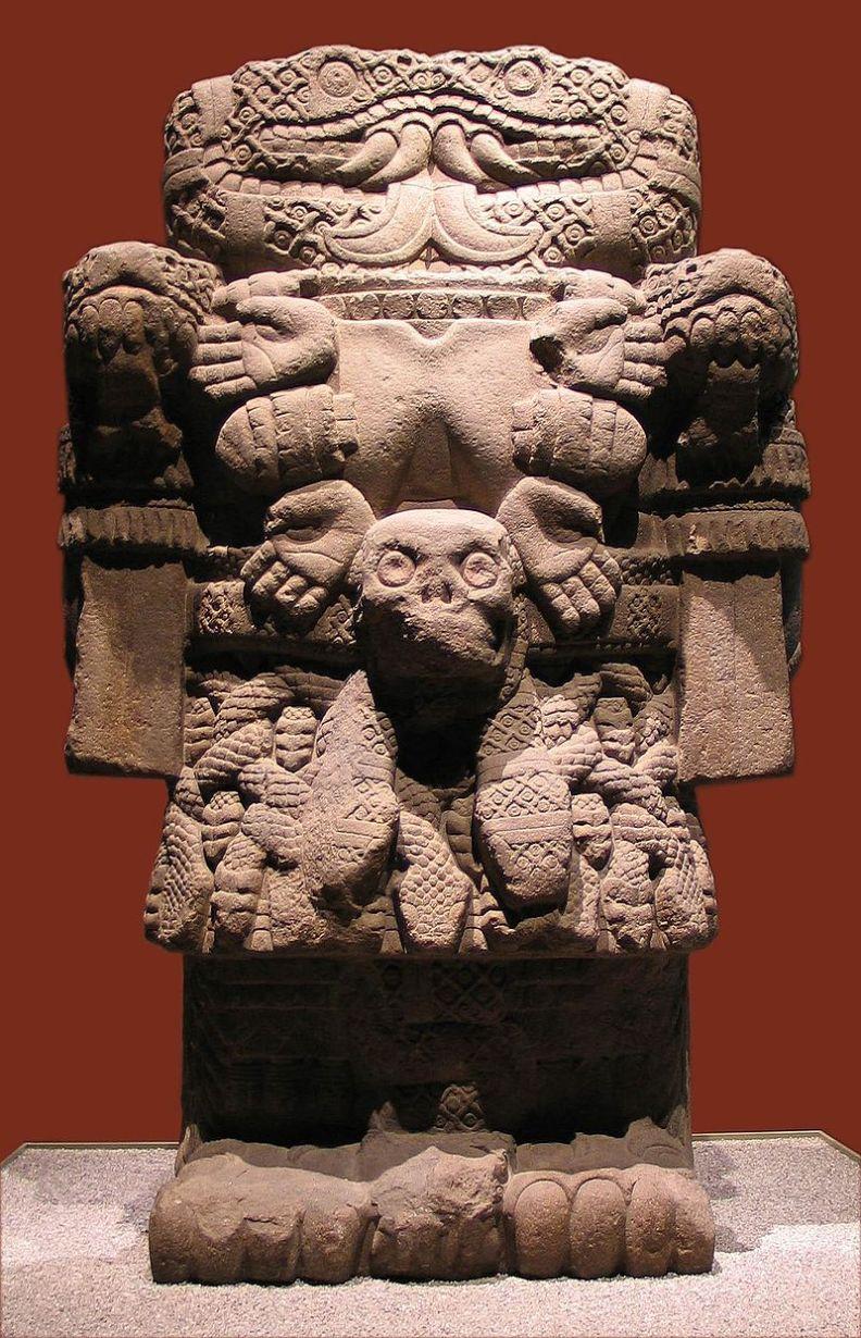 800px-20041229-Coatlicue_(Museo_Nacional_de_Antropología)_MQ-3.jpg